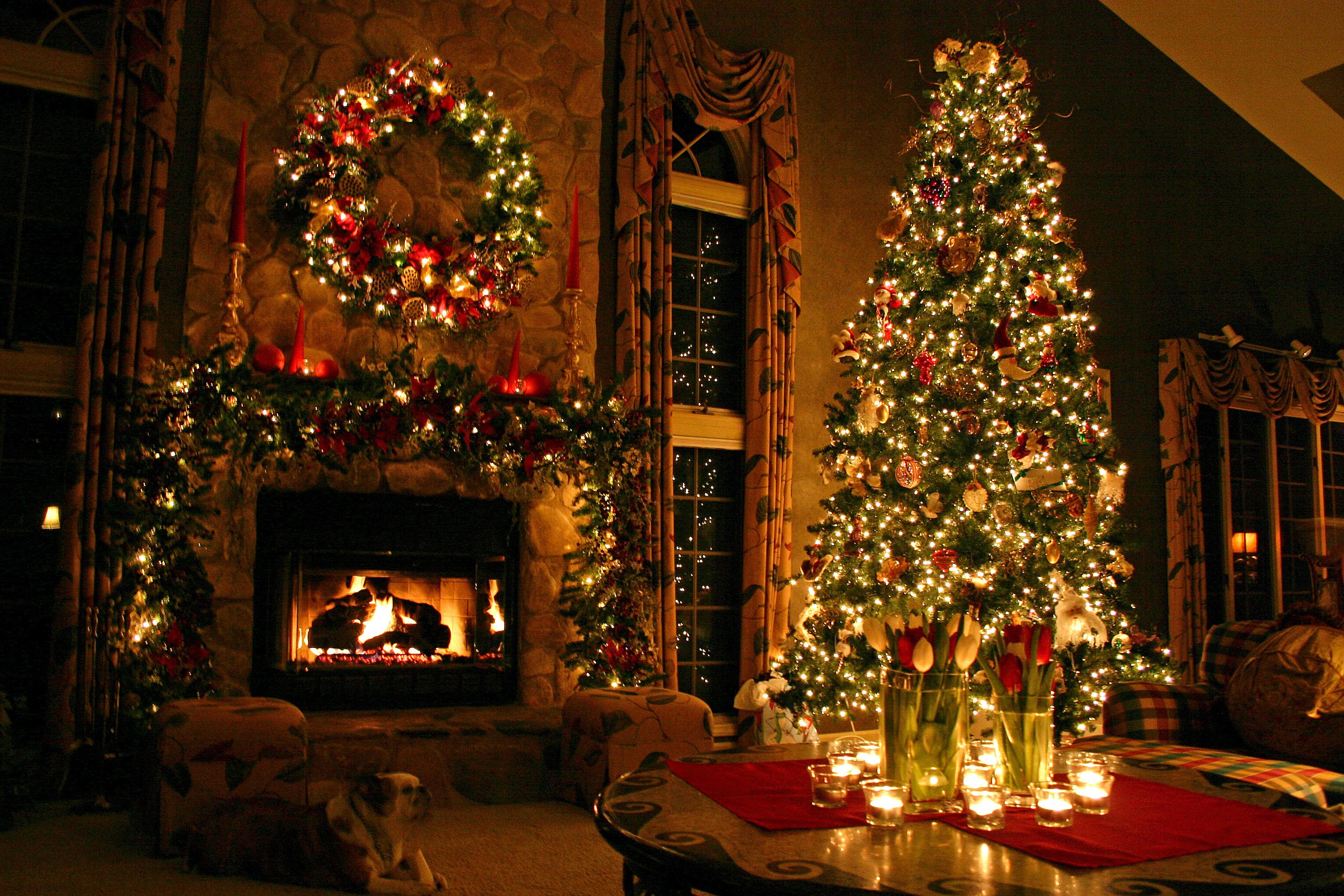 Наряжаем елку в год Желтой собаки